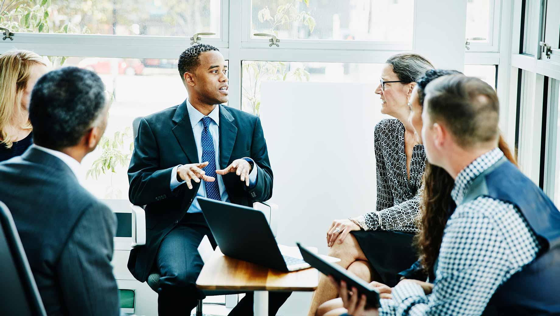 24 Leadership Training Statistics: Data, Insights & Predictions