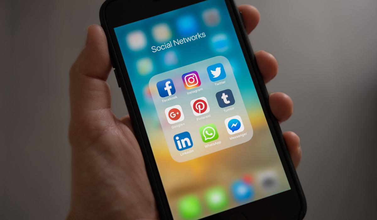 Global Social Media Research Summary: 2020/2021 Penetration & Impact