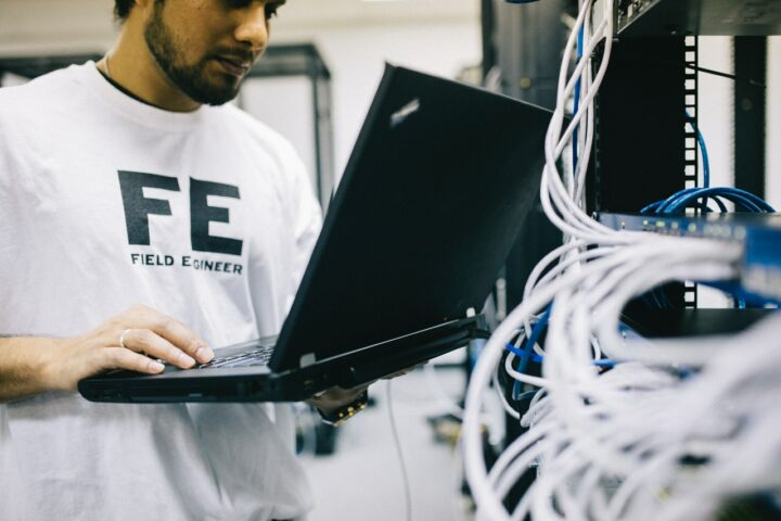 Computer Science vs Computer Engineering: Which Is Better, Which Is Harder?