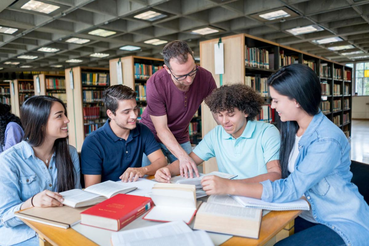 How Long Is a College Semester? Semester Lengths & Academic Calendar Systems